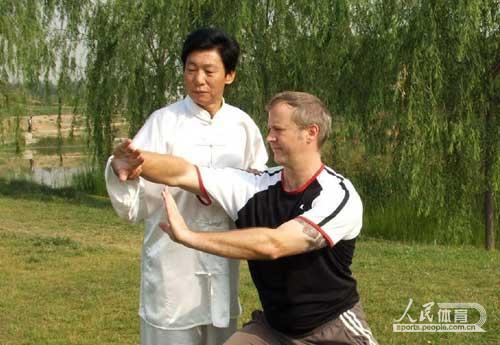 田克延老师指导洋弟子。