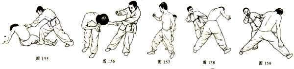 三十一、折棵断柱武风武术网http://www.wfeng.net 动作要领:双方对峙。对方进步以右上钩拳向我下颌处攻击,我稍后退步,左手抓对方右手腕上托,突然向前猛上一大步,右手按其肘部,左手同时用力向前猛推,上体猛向内侧转动,左手用力按其右手腕,右手抓住对方锁骨将其制服(如图132、133、134、135)。 要求:上体腰部旋转要猛要快。 三十二、野马闯关 动作要领:双方对峙。对方进步以右边腿向我横扫过来,我右脚迅速上步下按扫来之腿,左手立掌前推,以防继续攻击;对方腿落地后又以双手拿我右臂,我右手收回