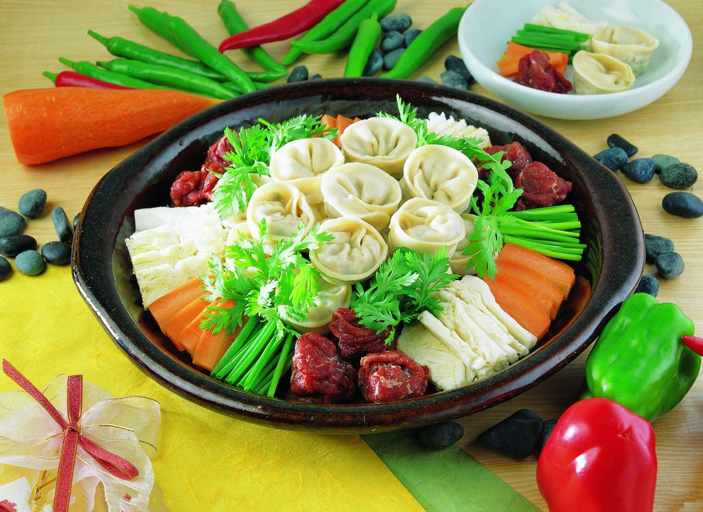 吃四川火锅的食礼