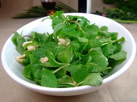 秋季排毒燃脂:薄荷减肥餐 一个月瘦七斤